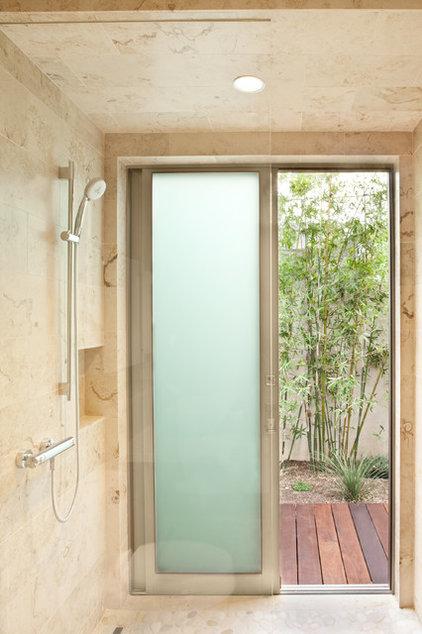 Contemporary Bathroom by Maienza - Wilson Interior Design + Architecture