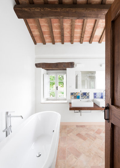 Mediterraneo Stanza da Bagno by ROY DAVID ARCHITECTURE