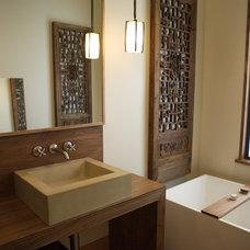 Contemporary Bathroom by Abueg Morris Architect