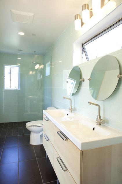 Contemporary Bathroom by 360 design studio