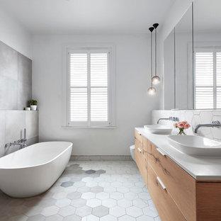 Moonee Ponds Home - Main Bathroom