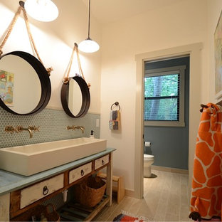 Transitional kids' bathroom photo in Austin with a trough sink