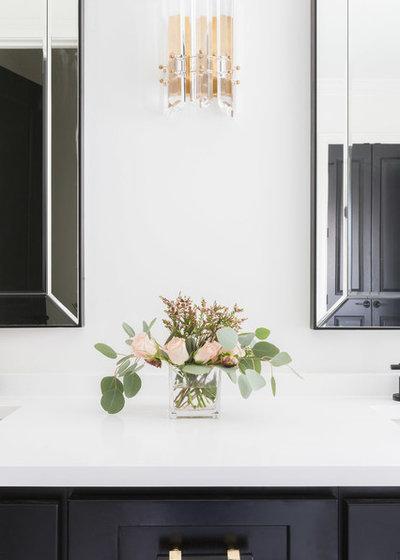 Contemporary Badrum by Sara Ray Interior Design