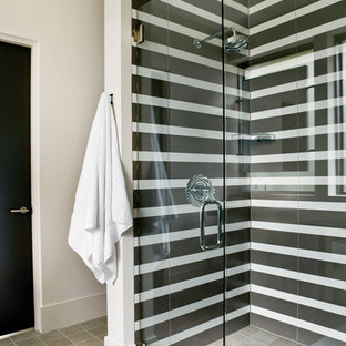 Minimalist Black And White Tile Corner Shower Photo In Atlanta