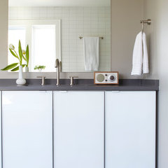 modern bathroom by Mark WIlliams Design Associates