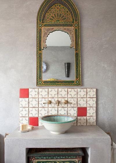 Mediterran Badezimmer By The Brighton Bathroom Company