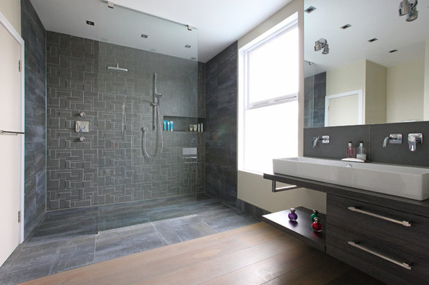 Contemporary Bathroom by PAD Architects LLP