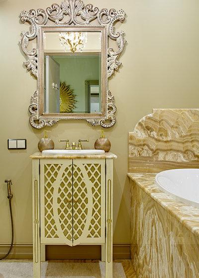 Классический Ванная комната by Olga Ashby Interiors