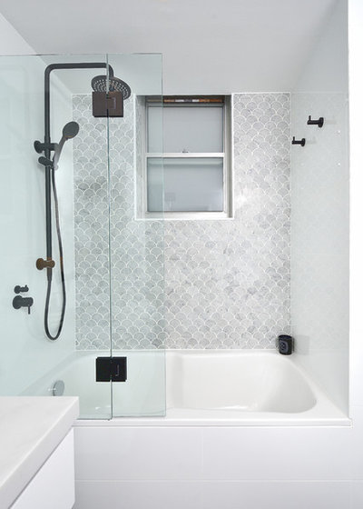 Modern Bathroom by Novale Bathrooms