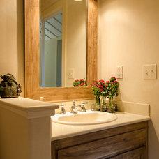 Rustic Bathroom by AYI & ASSOCIATES