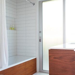 Bild på ett 60 tals badrum