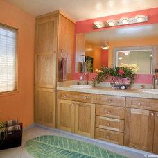 Contemporary Bathroom by Susan Diana Harris Interior Design