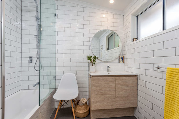 Contemporary Bathroom by Investwell Group Builders