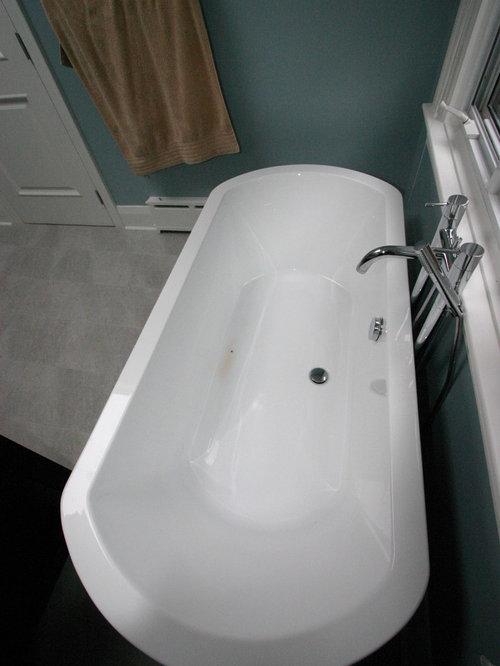 salles de bains et wc avec une baignoire sur pieds. Black Bedroom Furniture Sets. Home Design Ideas