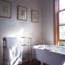 rustic bathroom by Bosworth Hoedemaker