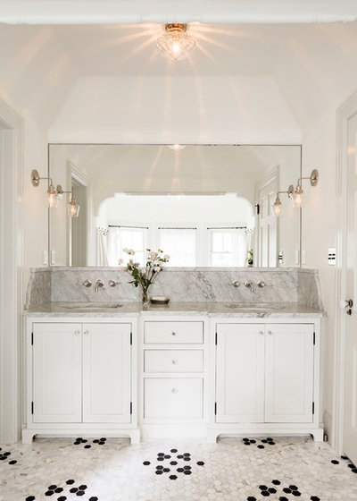 Vintage Transitional Bathroom by Jessica Helgerson Interior Design