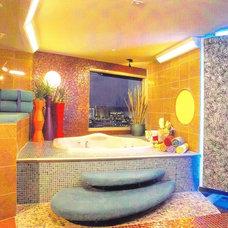 Modern Bathroom by Marteen Moore Interior Planning