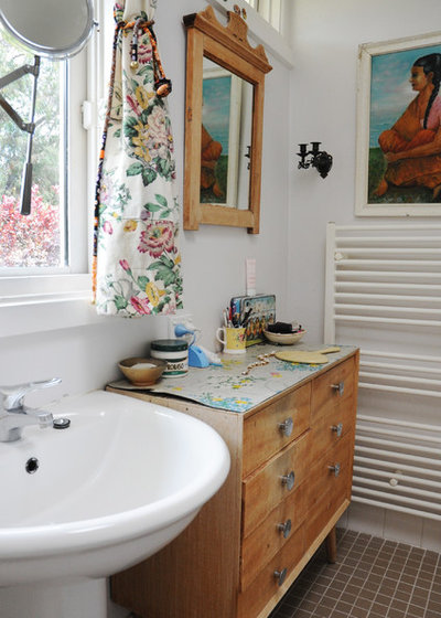 Eclectic Bathroom by Luci.D Interiors