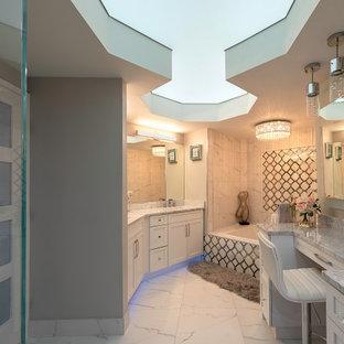 На фото: главная ванная комната среднего размера в стиле модернизм с белыми фасадами, накладной ванной, белой плиткой, столешницей из гранита, серой столешницей, тумбой под одну раковину, встроенной тумбой и потолком с обоями с