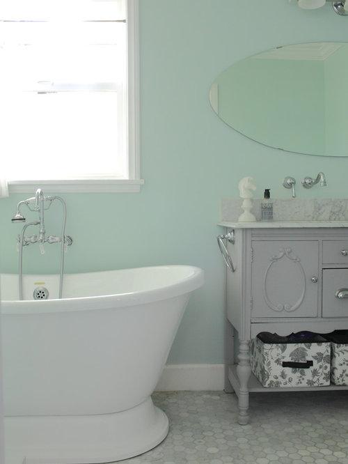 Fixer Upper Bathroom Design Ideas, Remodels & Photos