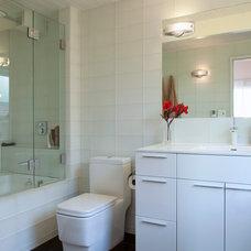 Contemporary Bathroom by Margot Hartford Photography