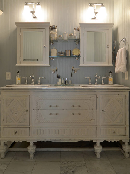 Shabby chic style bathroom design ideas remodels photos for Commode style shabby chic