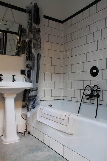 Eclectic Bathroom by Louise de Miranda