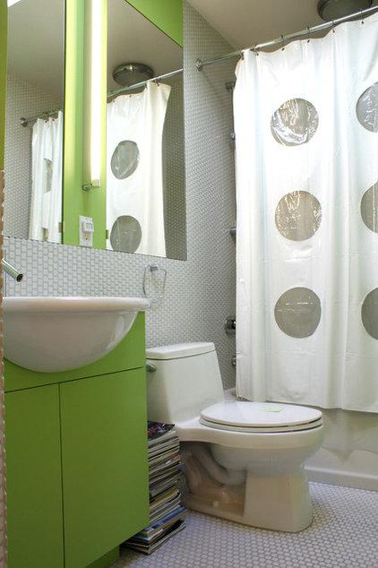 Midcentury Bathroom by Shannon Malone