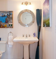traditional bathroom by Mary Prince