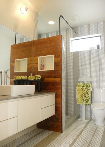 Modern Bathroom by Kara Mosher