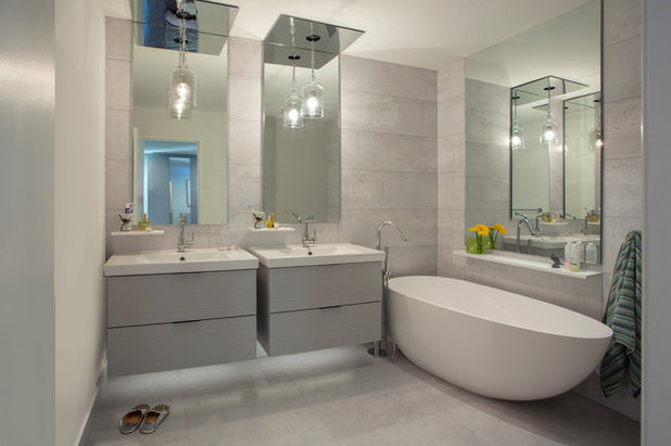 Contemporary Bathroom by Margot Hartford Photography