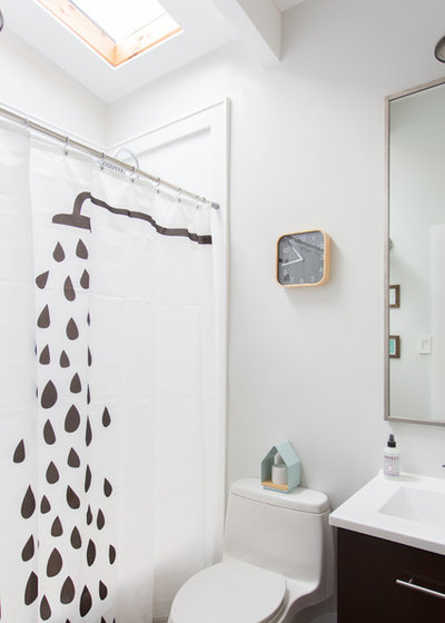 Midcentury Bathroom by Jessica Cain