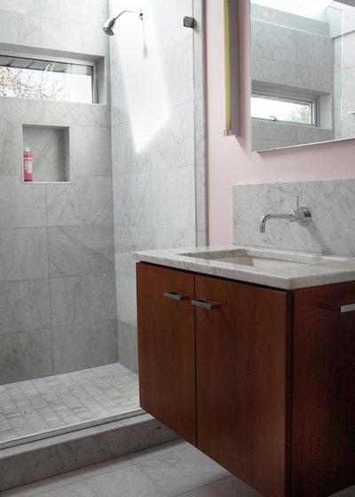 Fancy Midcentury Bathroom by Teness Herman