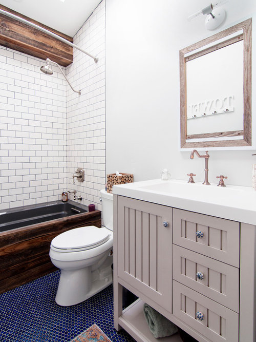 Best Fixer Upper Bathroom Design Ideas Remodel Pictures Houzz