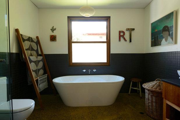 Contemporary Bathroom by Jeni Lee