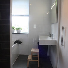 Contemporary Bathroom by Holly Marder