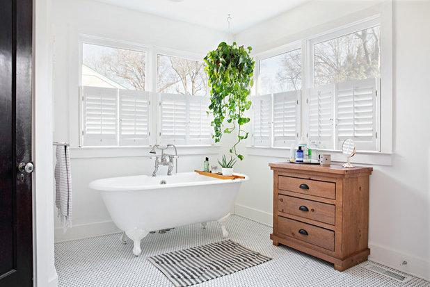 Shabby-chic Style Bathroom by Caroline Sharpnack