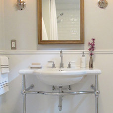 Beach Style Bathroom by Jenn Hannotte / Hannotte Interiors