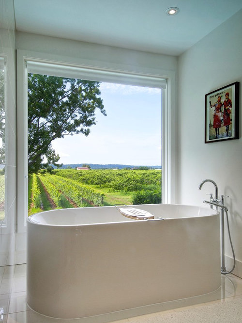 Large Bathtub Window Home Design Ideas Pictures Remodel And Decor