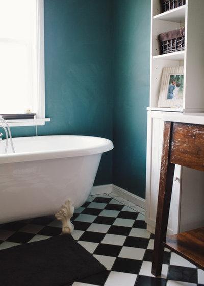 Landhausstil Badezimmer by Ellie Lillstrom Photography