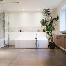 Contemporary Bathroom by Louise de Miranda