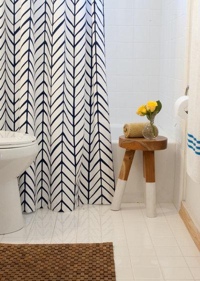 Petit budget 10 astuces pour relooker sa salle de bains for Petit rideau de douche