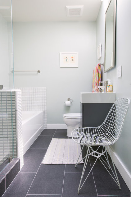 Bathroom ideas 5 solutions for brightening up a for Windowless bathroom design ideas