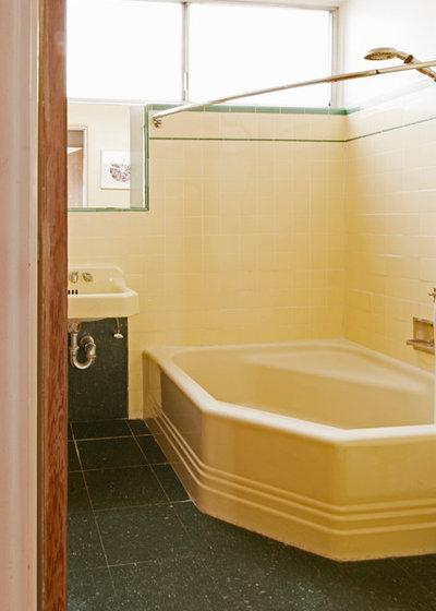 Midcentury Bathroom by Carolyn Reyes