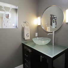 Transitional Bathroom by Lindsay von Hagel