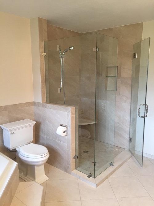 salle de bain avec une douche d 39 angle et du carrelage en ardoise photos et id es d co de. Black Bedroom Furniture Sets. Home Design Ideas