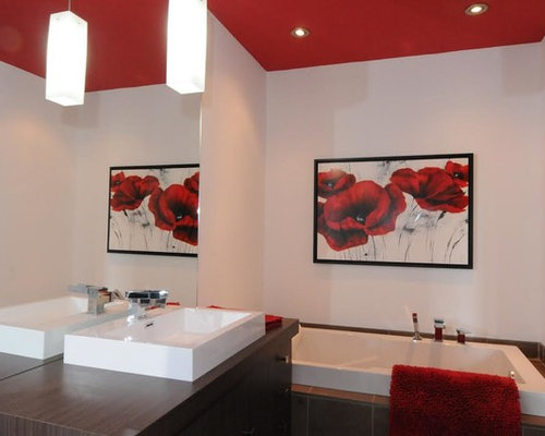 Bathroom design ideas renovations photos with laminate for Bathroom ideas with red walls