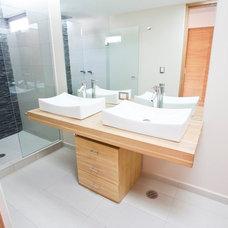 Contemporary Bathroom by DOM Arquitectos