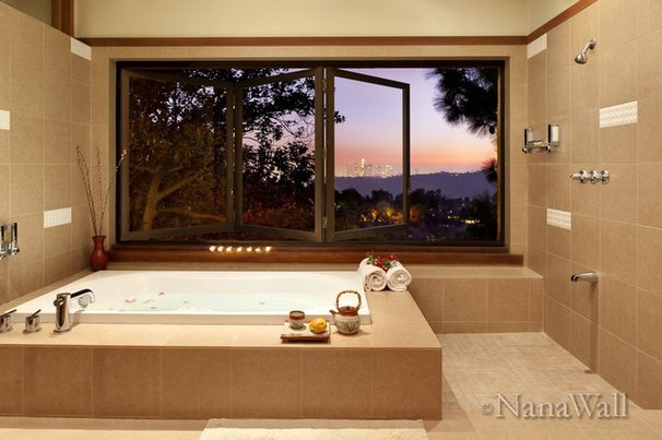 Modern Bathroom by NanaWall