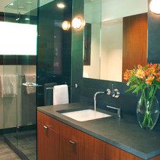 Modern Bathroom by Philip Babb Architect